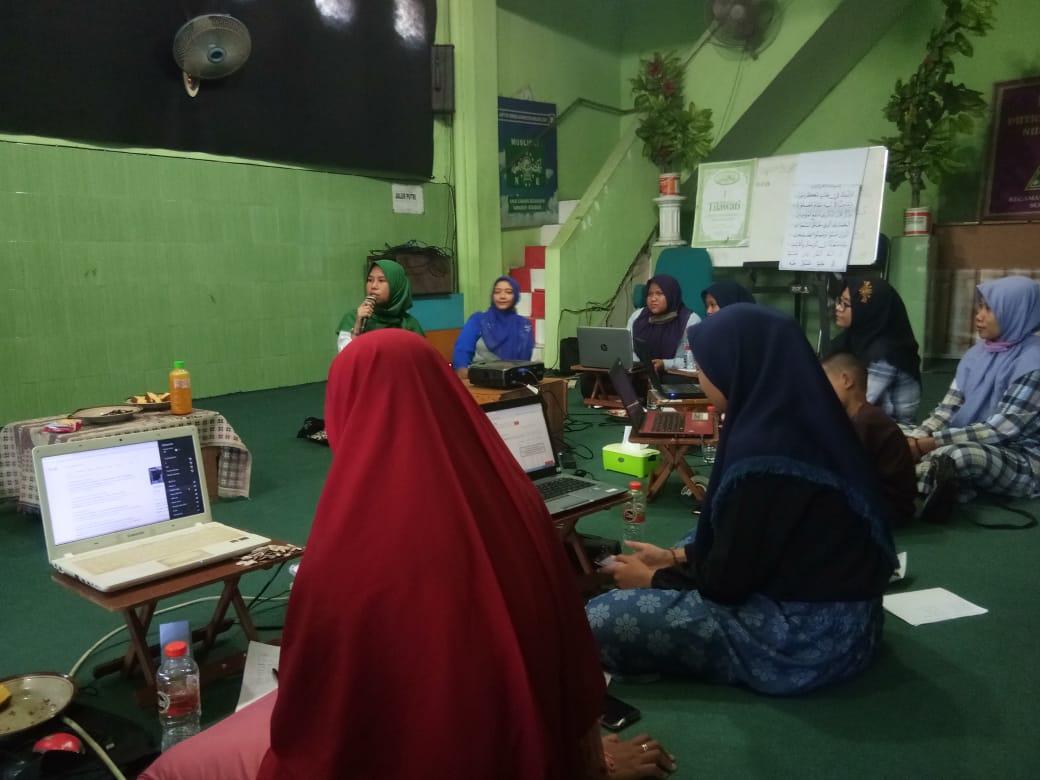 Ketua PAC Fatayat NU Sawahan Mengapresiasi Kegiatan Pelatihan Digital Marketing Untuk Milenial