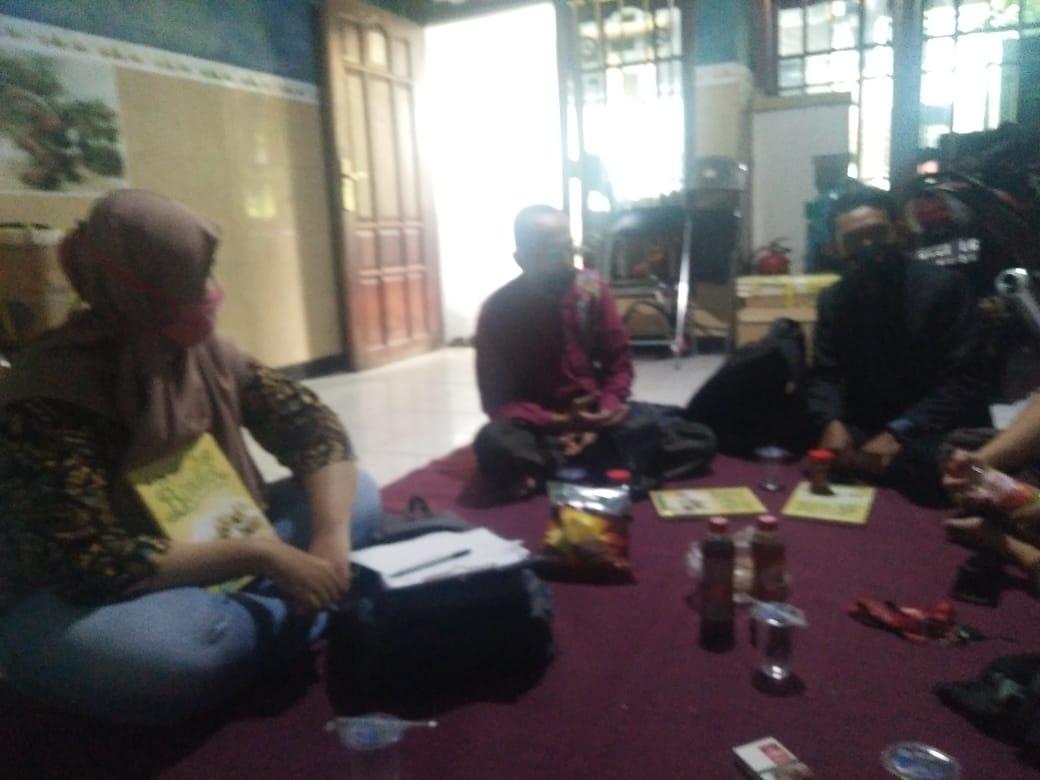 UMKM Putat Jaya-Dolly Tiada Lelah Berdiskusi dan Berkolaborasi