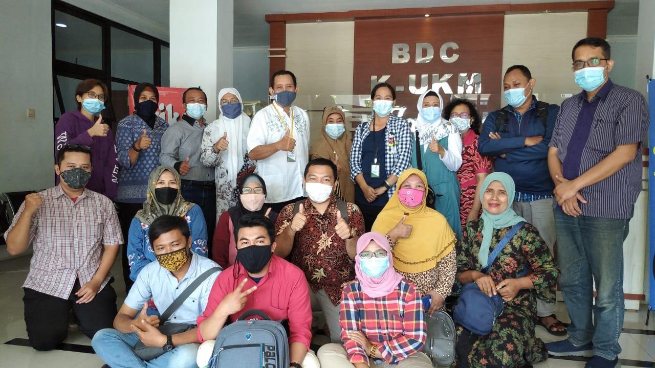 Gekraf Jatim dan UKM Mendunia Chapter Surabaya Mengadakan Workshop Fotografi Digital Marketing untuk UMKM dengan Difasilitasi oleh Dinas Koperasi dan UMKM Jawa Timur